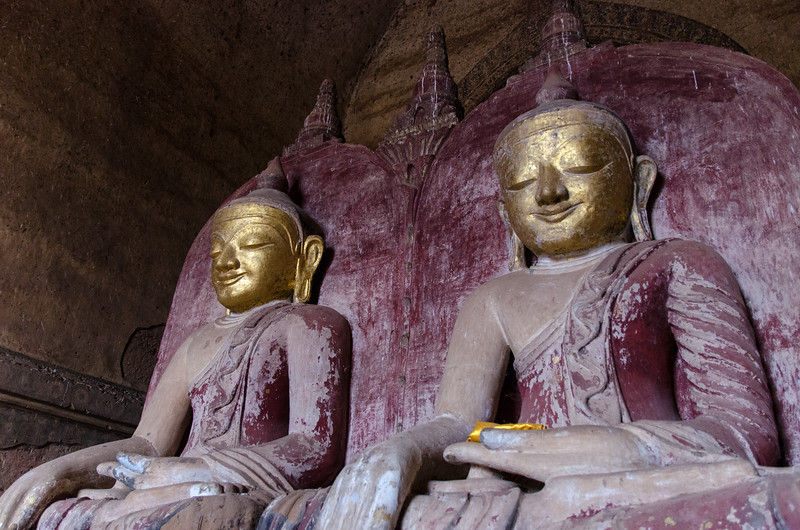 Buddhas in Dahmmayan Gyi Phaya.