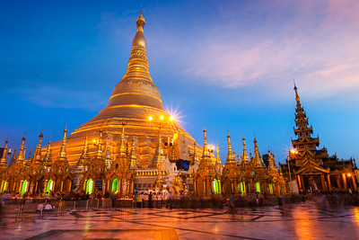 Shwedagon pagoda in the evening