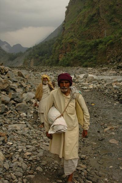 Hindu Sadhus - Annapurna Circuit, Nepal