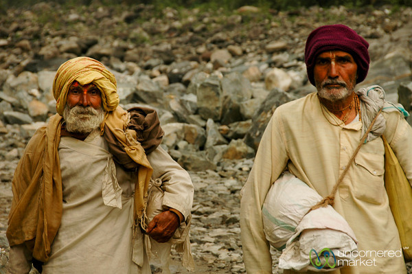 Sadhus Walking from Tatopani - Annapurna Circuit, Nepal
