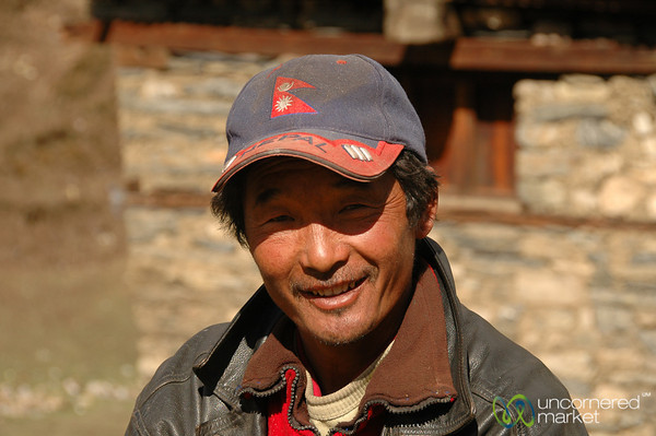 Friendly Smile in Letdar - Annapurna Circuit, Nepal