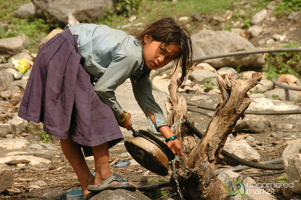 Cleaning Dishes - Annapurna Circuit, Nepal