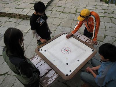 Cannonball -  Uniquely Nepali game