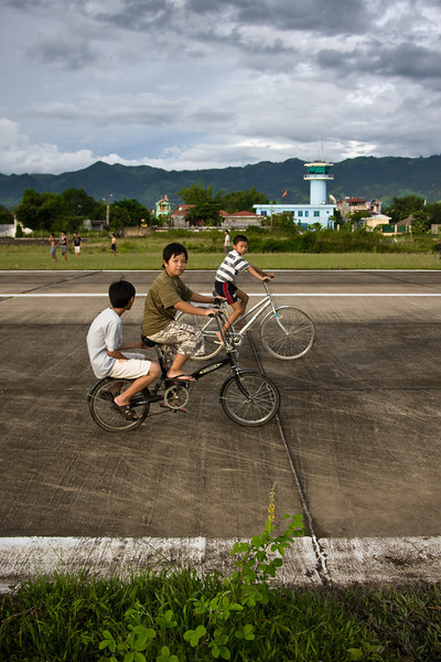Picture #2 in a series of 3.<br /> <br /> Location: Dien Bien Phu, Vietnam<br /> <br /> Lens used: 24-105mm f4.0 IS