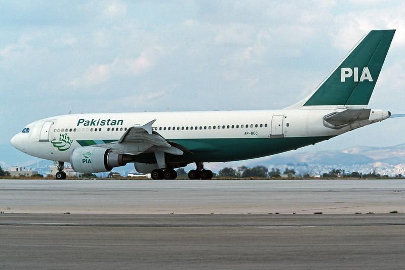 "AP-BEC Airbus A310-308 ""PIA Pakistan International Airlines"" c/n 590 Athens-Hellenikon/LGAT/ATH 24-09-00 (35mm slide)"