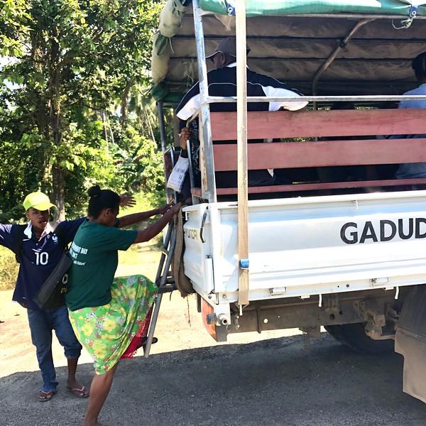 Local transportation, PNG