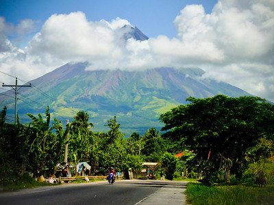 First view of Mayon from the road. It's spectacular!