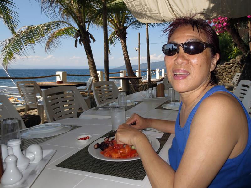 Zung enjoys lunch.