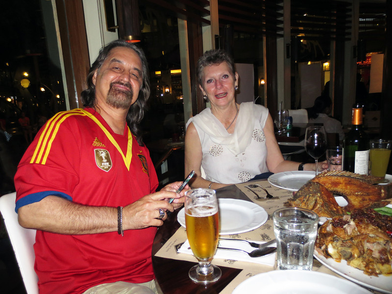 Joey & Cindy, dinner guests - they recently moved to Manila from Texas