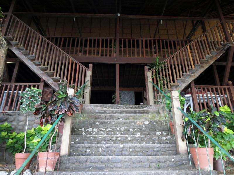 Club-O, main stairs