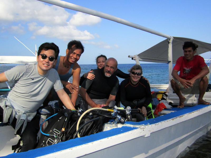 Kevin, Jeremy, Daniela, Francesco, Christiane & Bohdy<br /> Club-O<br /> Anilao, Philippines
