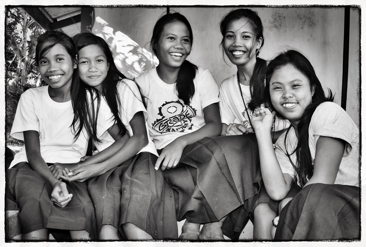 So much joy in this group shot of a rural school around el Nido.