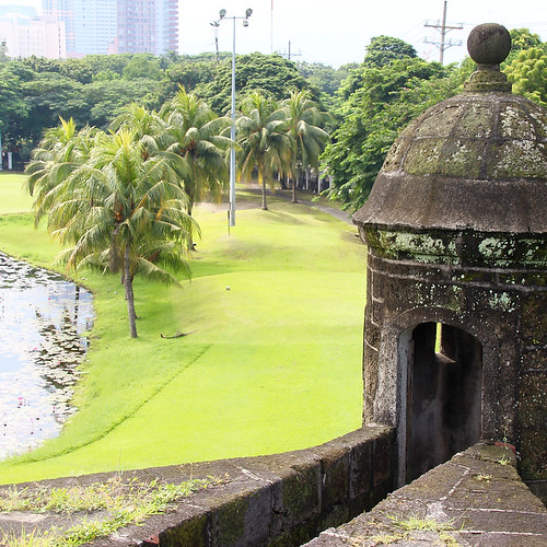 Things To Do in Manila Philippines – History, Shopping, Sunsets and Day Trips