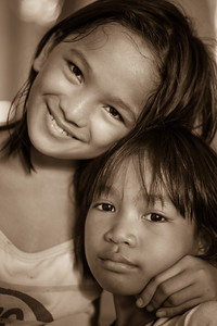 Cute kids met at the Manila Cathedral.