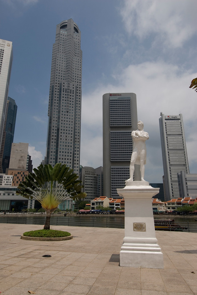 Skyscrapers behind Stamford Raffles Statue in Singapore