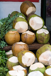 Little India - coconuts