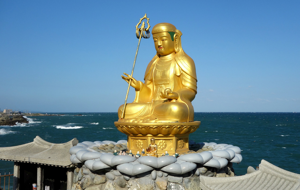 Haedong Yonggunsa Seaside Temple