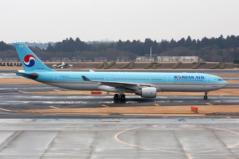 HL7701 Airbus A330-323X c/n 425 Tokyo-Narita/RJAA/NRT 24-02-11