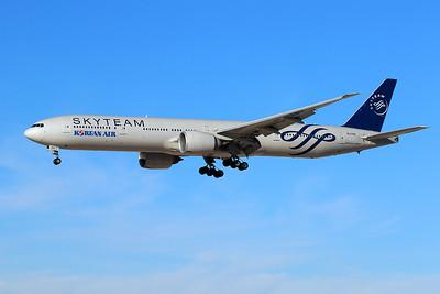 HL7783 Boeing 777-3B5ER c/n 37644 Las Vegas-McCarran/KLAS/LAS 05-02-18