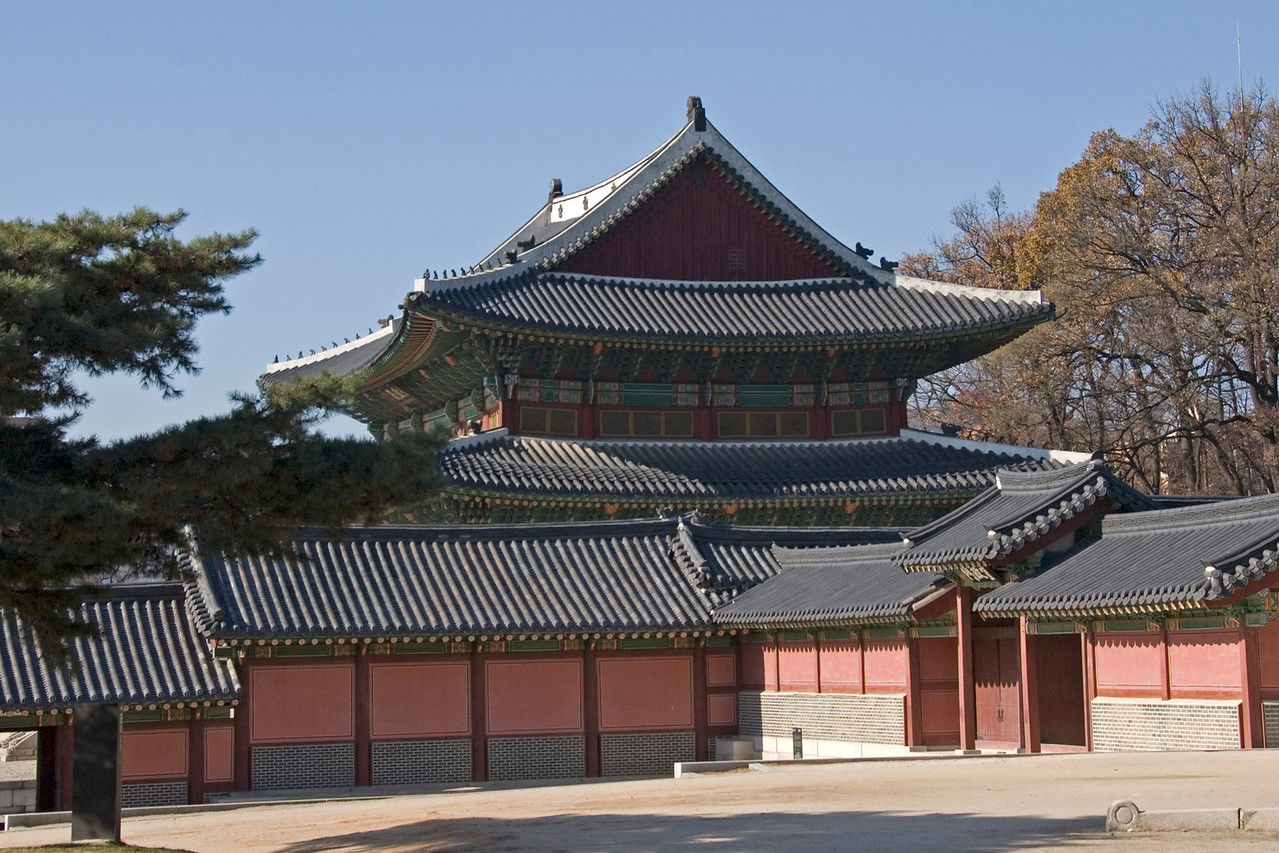 Beautiful architecture at Changdeok Palace - Seoul, South Korea