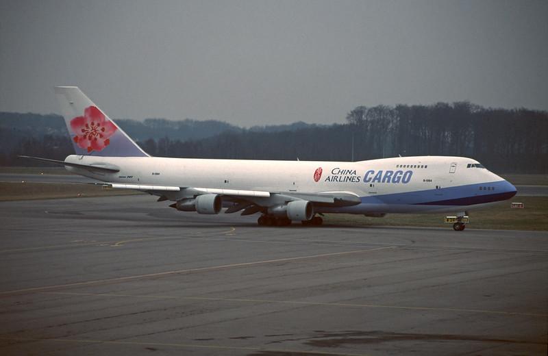 B-1864 Boeing 747-209BF c/n 21454 Luxembourg/ELLX/LUX 04-04-96 (35mm slide)