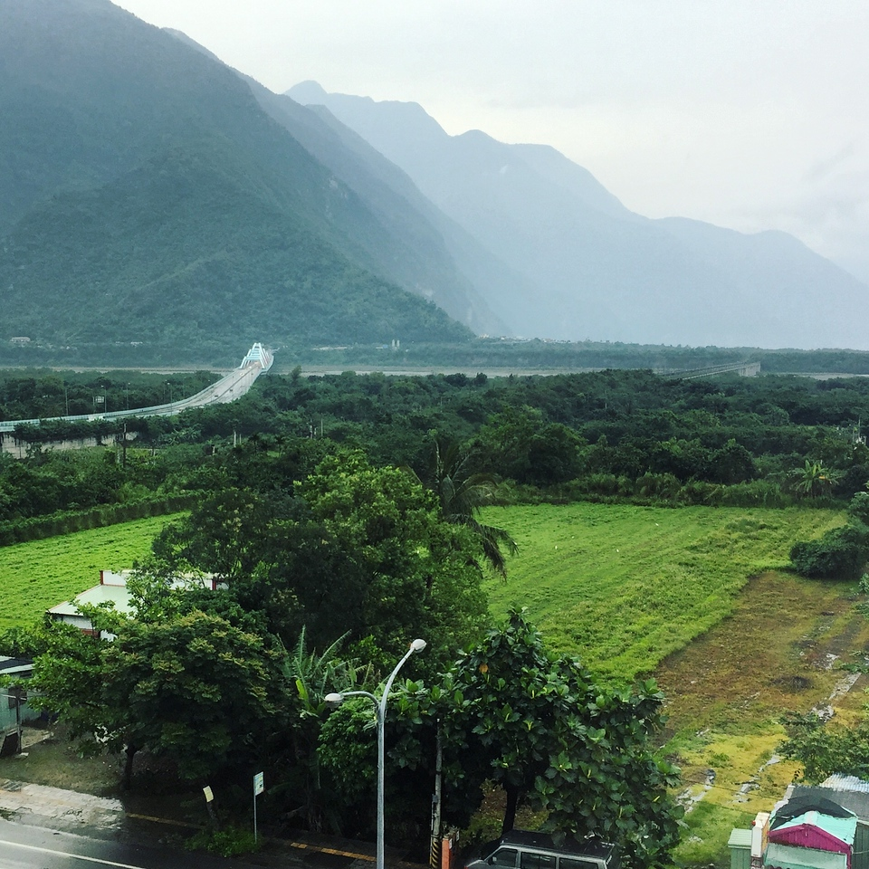 The road from Hualien towards Taroko Gorge National Park