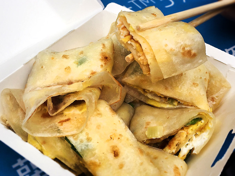 Taiwanese breakfast – egg crepe roll (dan bing)