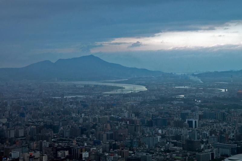 Mountain overlooking the Taipei skyline - Taipei, Taiwan