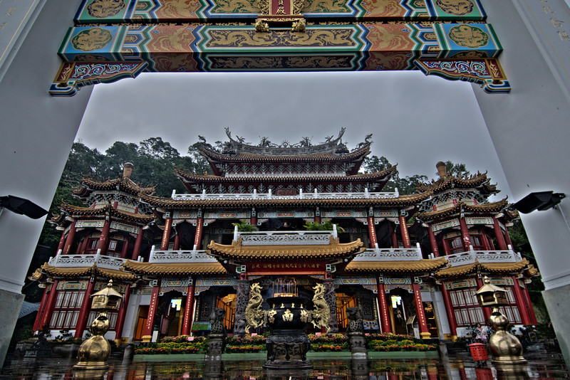 The gate at the Zhinan Temple in HDR - Taipei, Taiwan