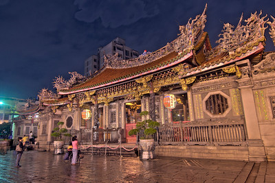 The main entrance to the Longshan Temple HDR - Taipei, Taiwan