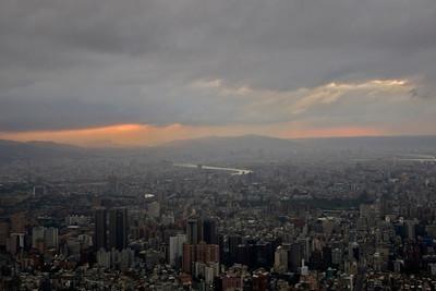 Sunset over the Taipei skyline - Taipei, Taiwan