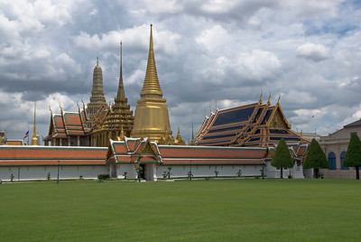 Stupas and rooftops seen from outside Wat Phra Kaew - Bangkok, Thailand