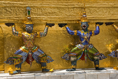 Close-up shot of miniature statues in Wat Phra Kaew - Bangkok, Thailand