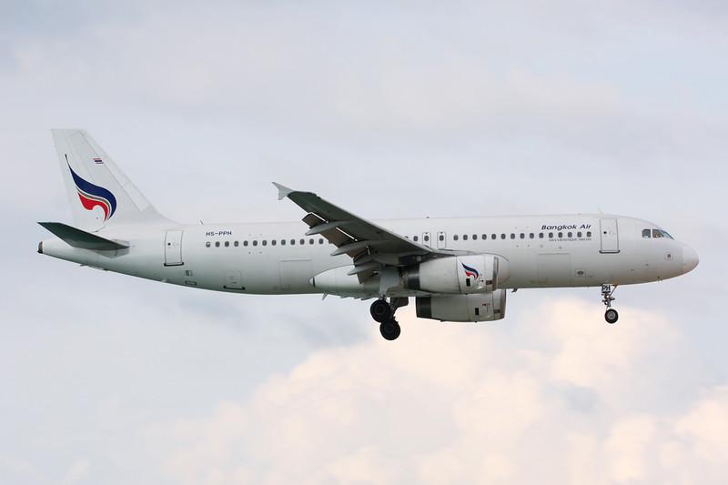 HS-PPH Airbus A320-232 c/n 2783 Phuket/VTSP/HKT 25-11-16