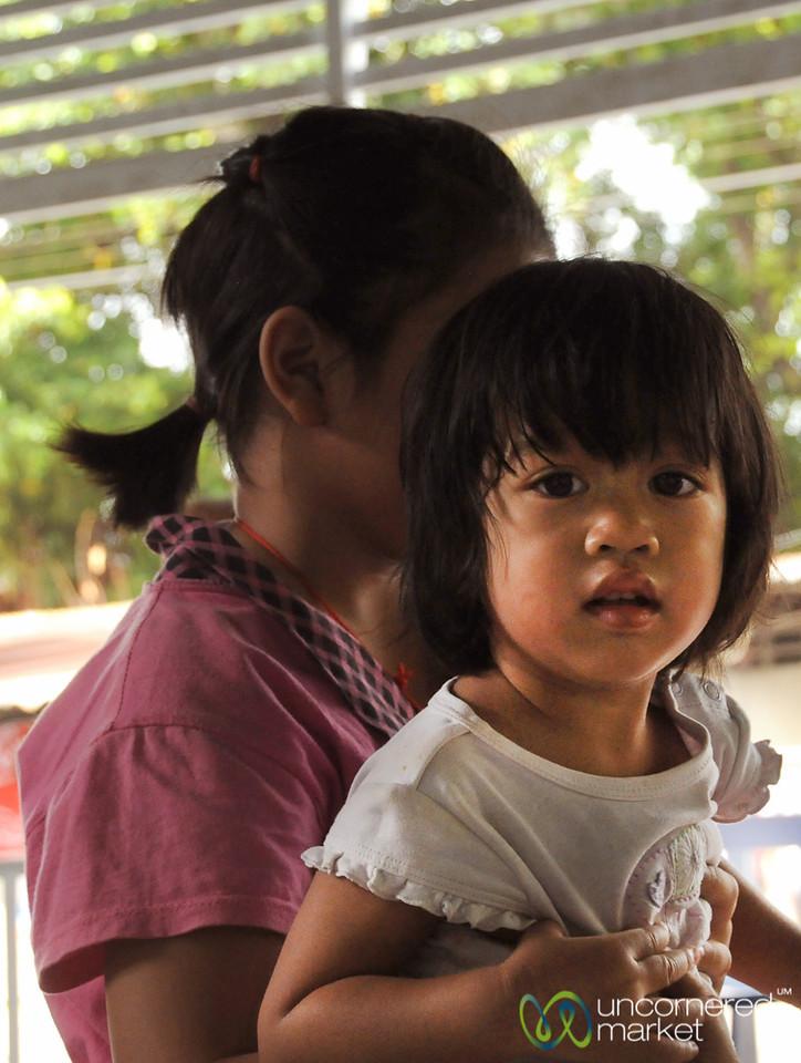 A Sisterly Hand - Yommarat, Bangkok
