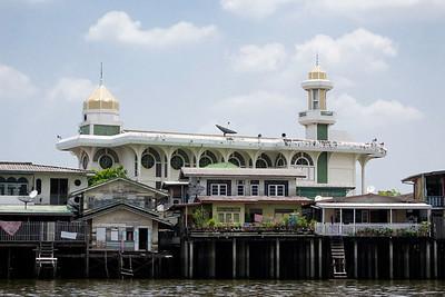 Cruising the Chao Phraya River