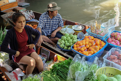 Lat Mayom Floating Market