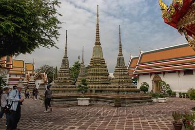 Chedis in Wat Pho