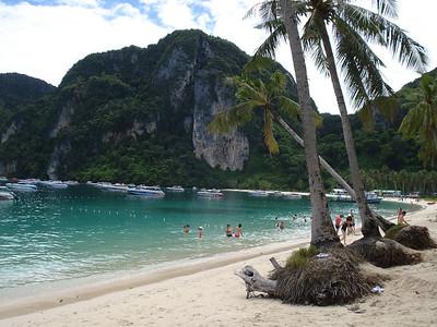 Ton Sai Bay, Koh Phi Phi Don - Thailand.