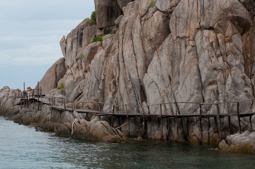 Suspended wooden boardwalk on Ko Nangyuan, Thailand