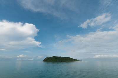 Wide shot of an isolated island in Ko Samui, Thailand