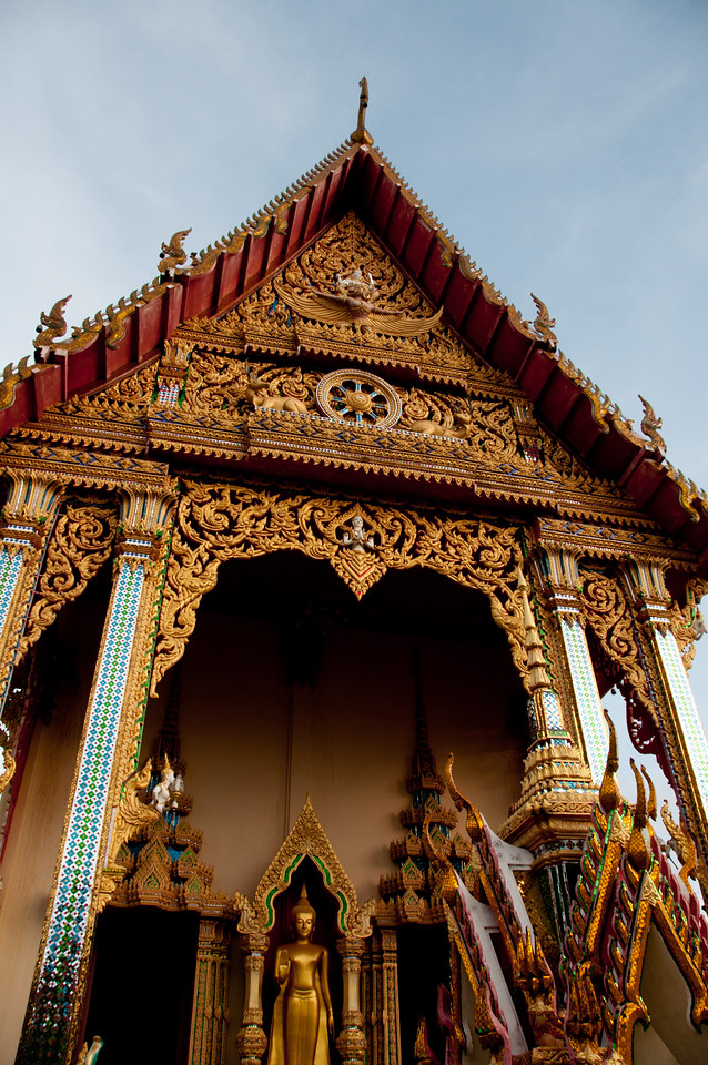 Elaborate Hindu design at temple rooftop in Ko Samui, Thailand