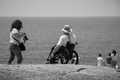 Touching life scene captured at Hin Ta Hin Yai (Lamai Beach).