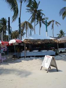 Beach massage on Chaweng Beach, Koh Samui - Thailand.