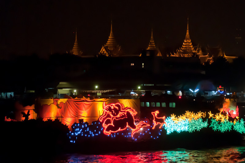 More bright lights at Loi Krathong celebration in Thailand