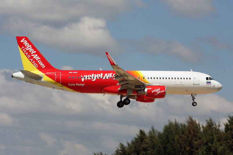 """HS-VKC Airbus A320-214 """"Thai VietjetAir"""" c/n 6878 Phuket/VTSP/HKT 26-11-16"""