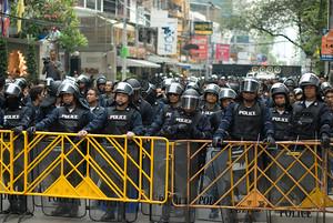 Police blocking Soi 33