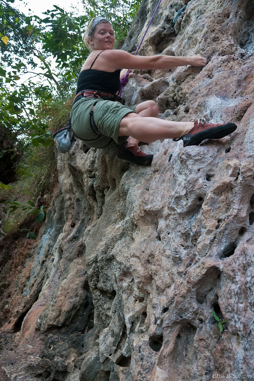 Hot-Rocks-climbing-course-railay