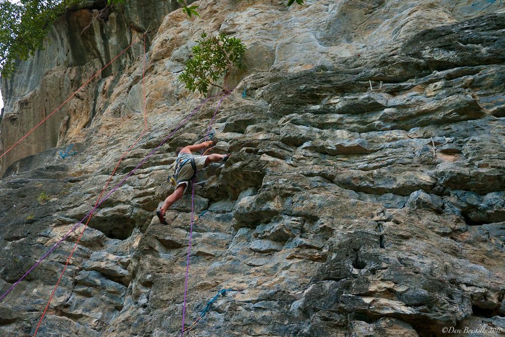 lead-climbing-practice-krabi-thailand