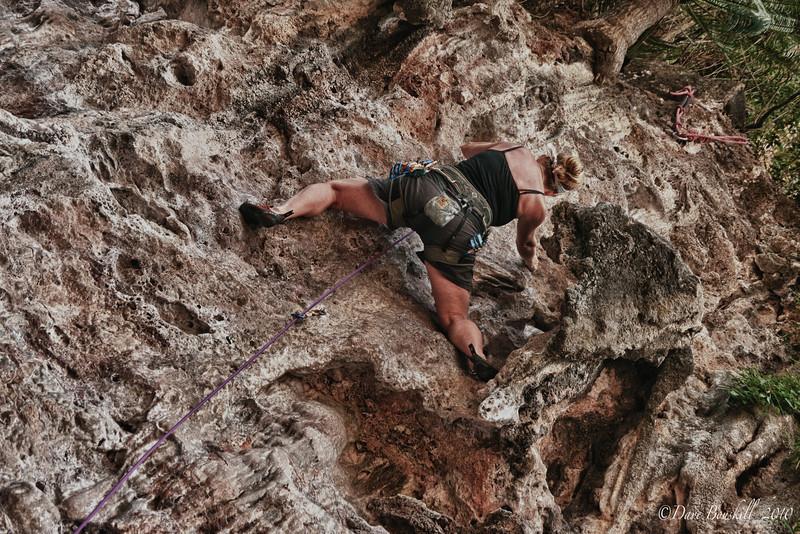 rock-climbing-railay-thailand